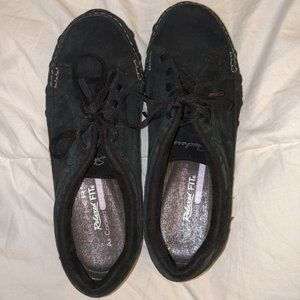 Skechers Relaxed Fit Memory Foam Shoes 6.5